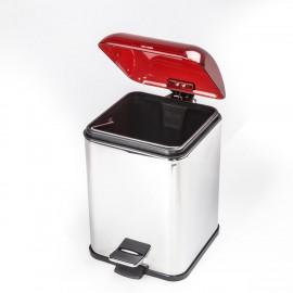 Gettacarta KARTA con coperchio con apertura a pedale. Coperchio rosso trasparente e corpo cromo.