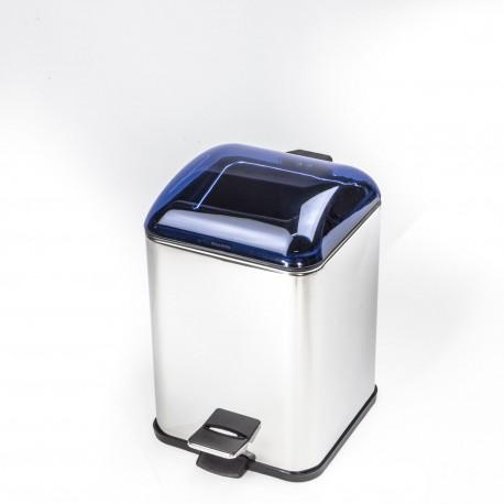 Gettacarta KARTA con coperchio con apertura a pedale. Coperchio blu trasparente e corpo cromo.