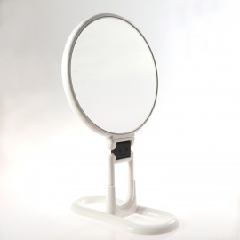 Specchio bifacciale con ingrandimento x 3, manico pieghevole e supporto da tavolo. Ø18cm.Colore bianco