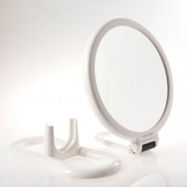 Specchio bifacciale con ingrandimento x 6, manico pieghevole e supporto da tavolo. Ø18cm.Colore bianco
