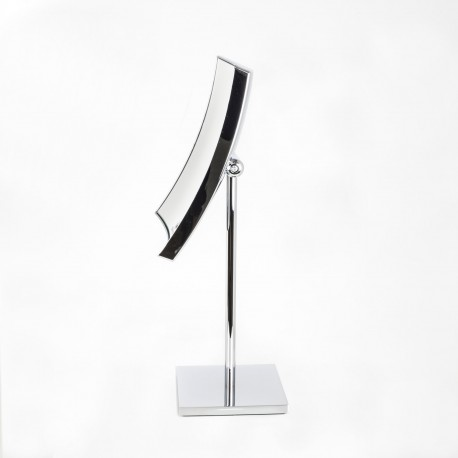 Specchio ingranditore quadrato da tavolo cromo.