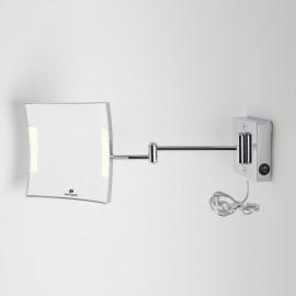 Specchio ingranditore x3 quadrato da parete cromo. 2 Braccia. Illuminazione a LED.Alimentazione esterna con spina.