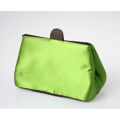 Beauty in tessuto di raso verde.