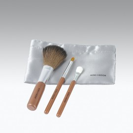 Set di 3 pennelli trucco, fard, eyeliner e ombretto.